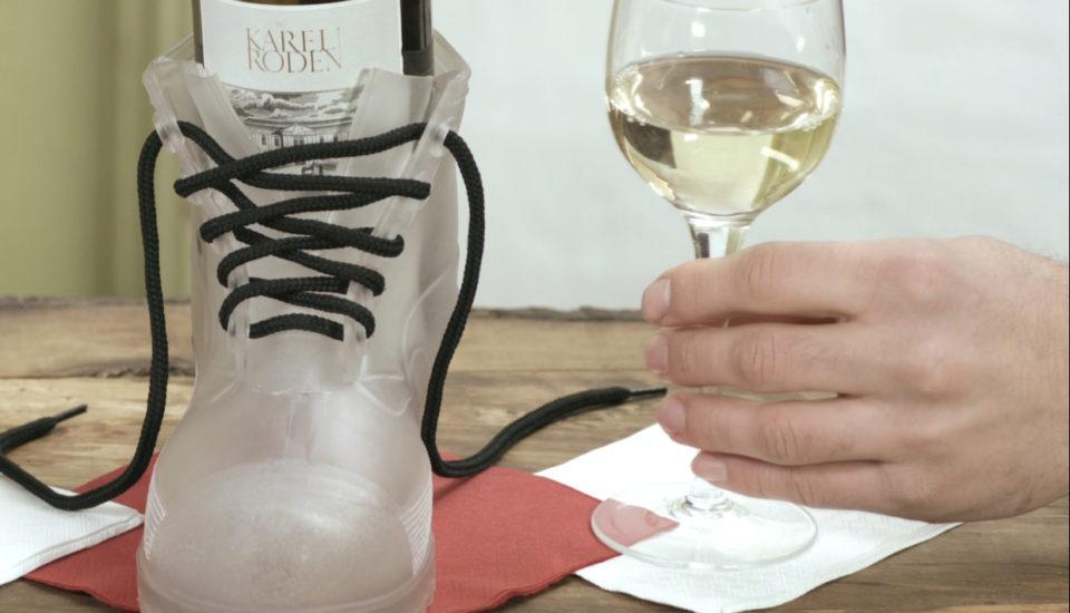 Zlepšovák: Ako otvoriť fľašu vína bez vývrtky