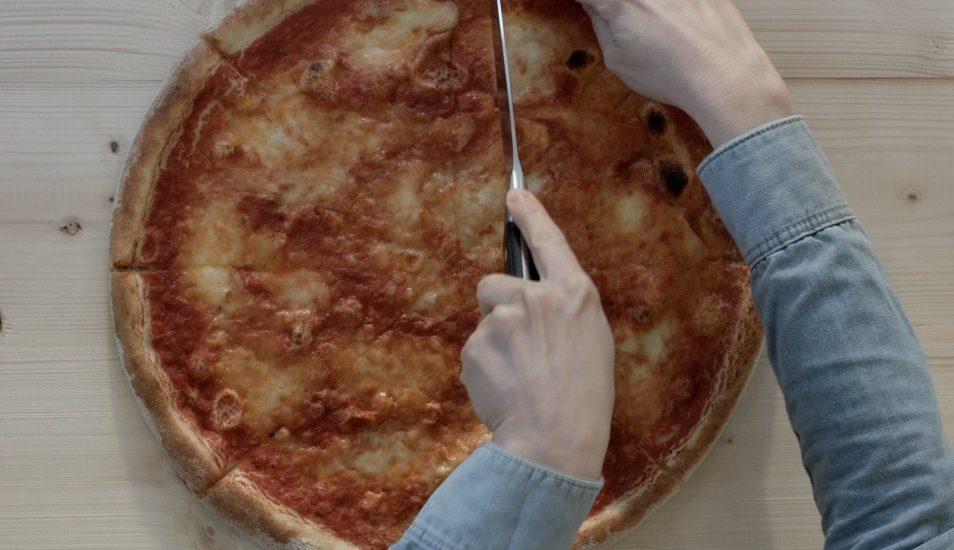 Zlepšovák: Ako tajne ukradnúť pizzu