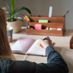Ako si urobiť ideálny pracovný stôl?
