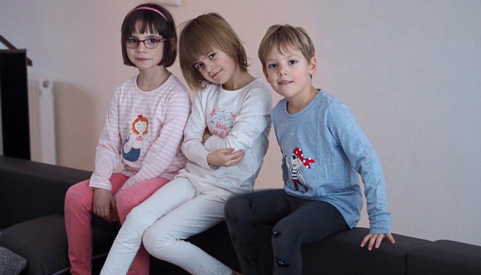 Deti doma obliekajte tak, aby neprechladli