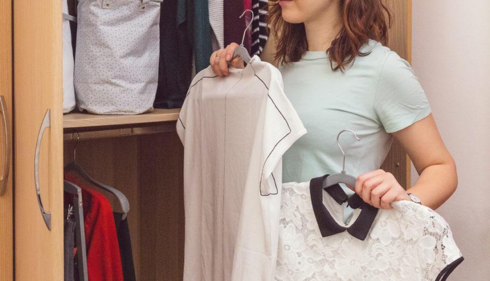 Môže si minimalizmus nájsť miesto aj vo vašom šatníku?