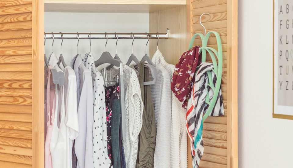 5 spôsobov, ako sa efektívne zbaviť nenoseného oblečenia
