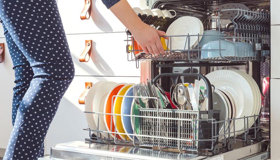 Ako vedecky naložiť umývačku, aby správne umývala