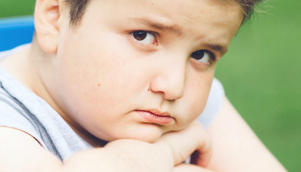 Keď vám doma rastie bacuľko. Ako elegantne zatočiť sdetskou obezitou?