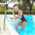 Všetko, čopotrebujete vedieť, keď sa chcete dostať do formy plávaním