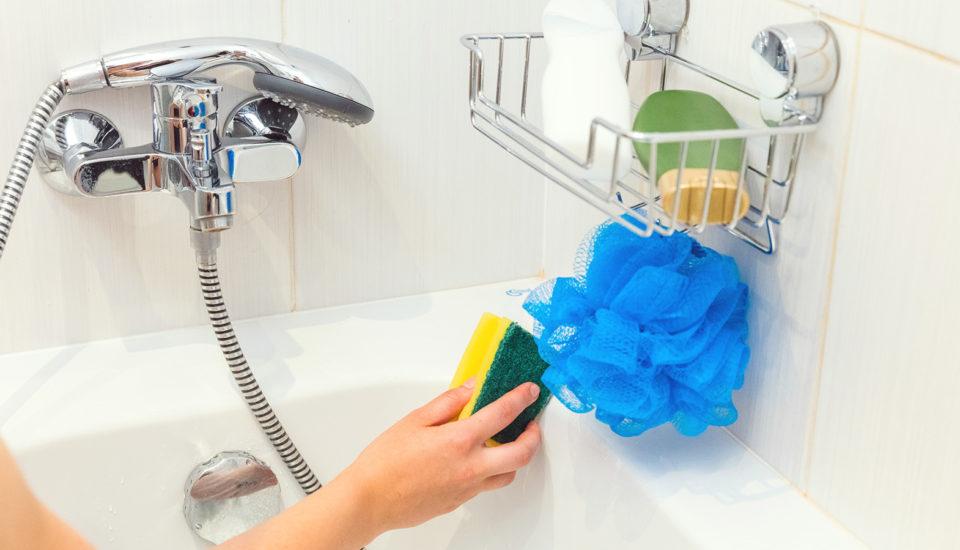 Lenivý trik pre dokonale čistú kúpeľňu každučký deň
