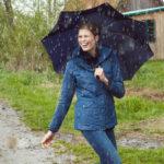 3 dôvody, prečo si myslím, že ženám dážď pristane