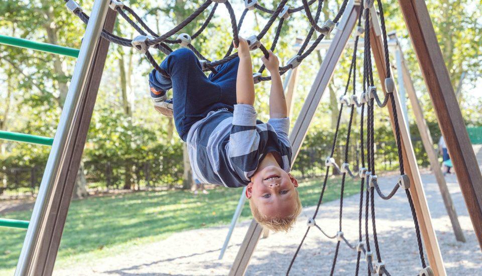 Moje dieťa má 100-krát viac energie ako ja. Čo stým robím, aby som prežila?