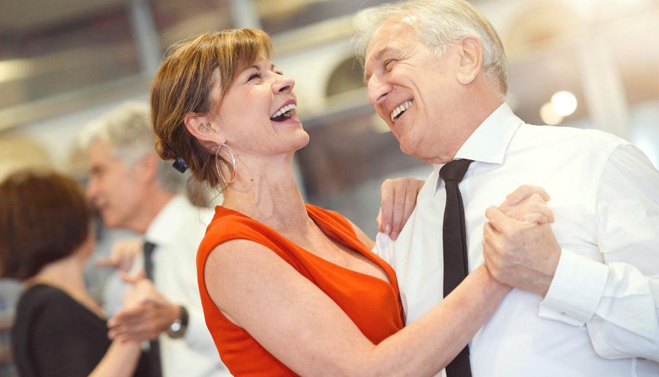 Ako spolu randiť aj posvadbe? Skúste tanečnú školu