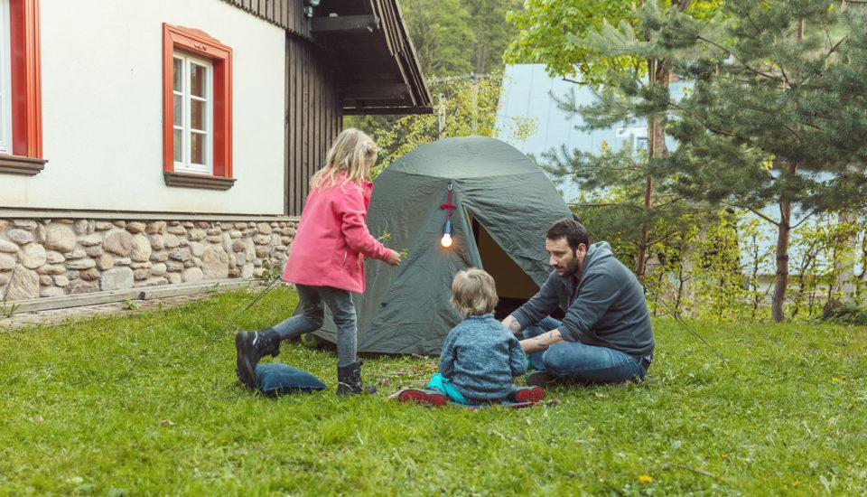 Letné dobrodružstvo pre deti: prespávačka a3 malé hry ktomu
