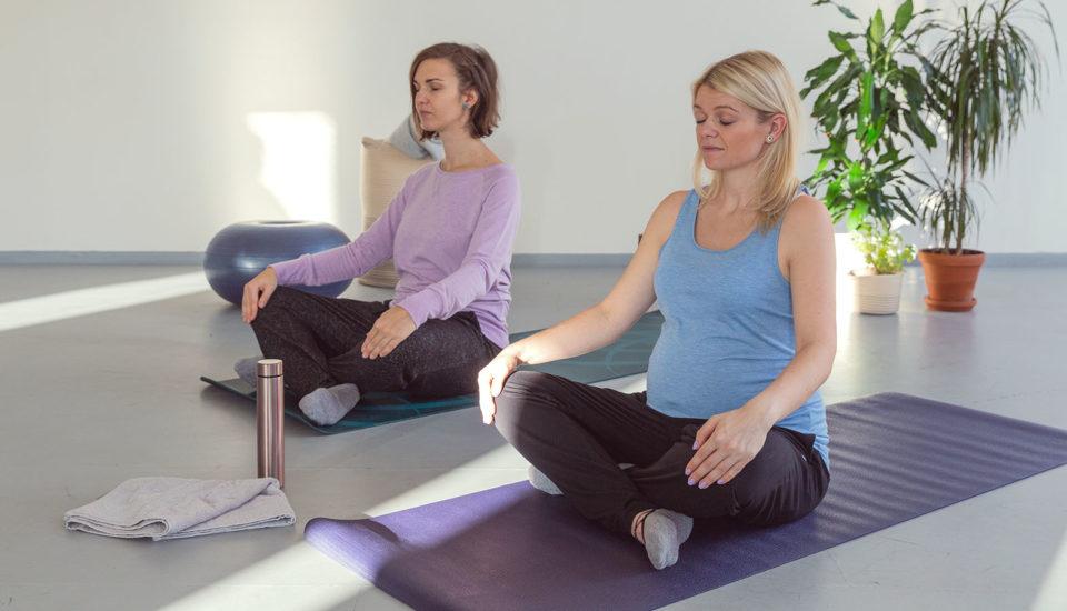 Šport vtehotenstve – joga, ačoďalej? Aprečo vlastne?