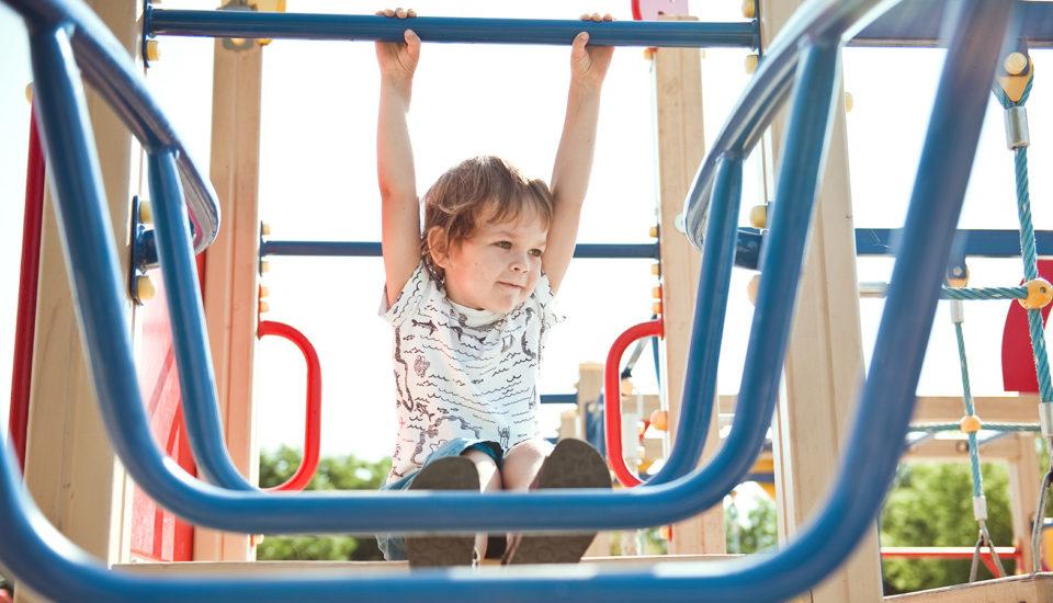 Deti apohyb: Ako na to, aby pri ňom vydržali do dospelosti?