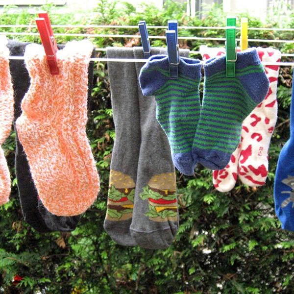 Ponožky musia byť dve