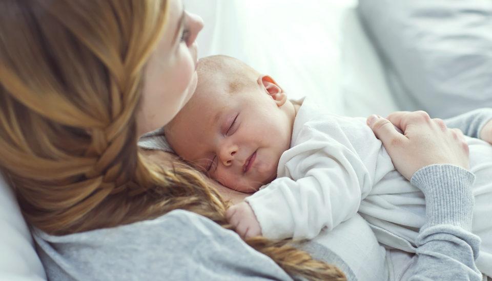 5 mýtov odojčení, ktoré si často odnášame už zpôrodnice amôžu pekne potrápiť