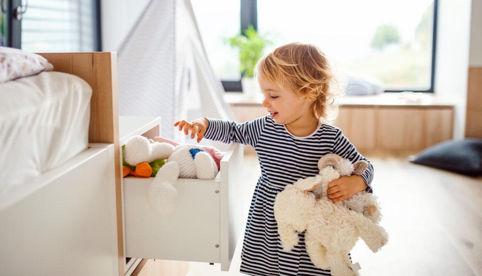 Zapojte svoje ratolesti do domácich prác hravo! Tri tipy, ktoré vám pomôžu snastavovaním pravidiel