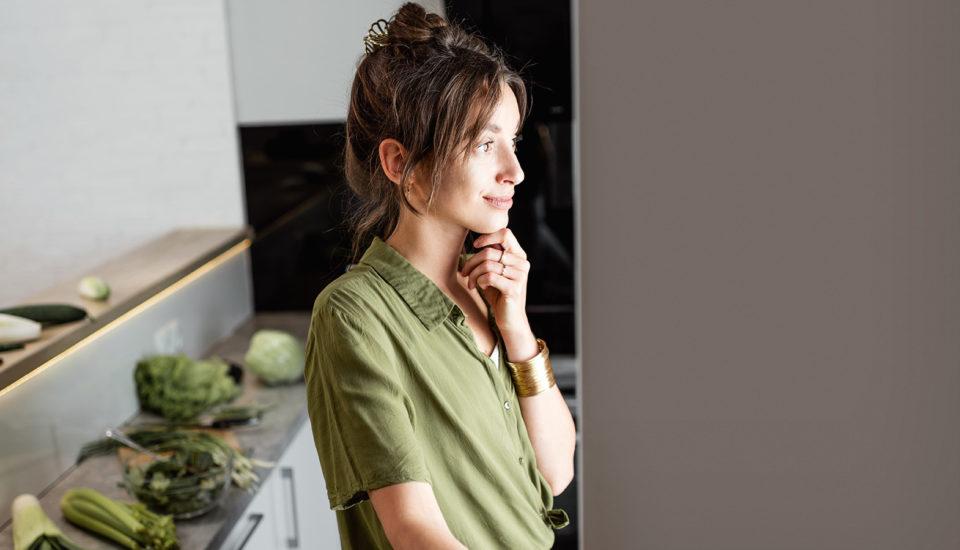 Majte chladničku pod kontrolou. Ako prestať vyhadzovať jedlo aj peniaze?