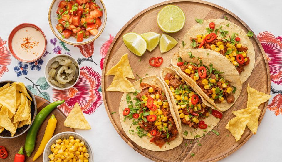 Recept na domáce tacos, vrátane návodu na prípravu kukuričných placiek