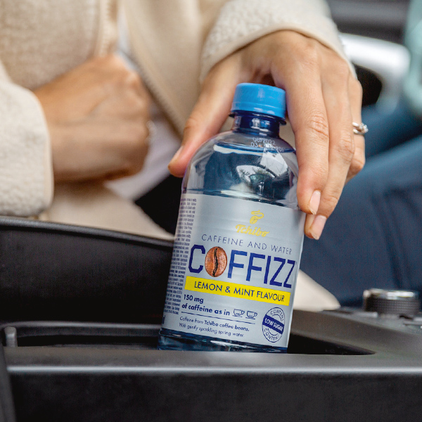 Novinka od Tchibo: Kofeínová voda Coffizz